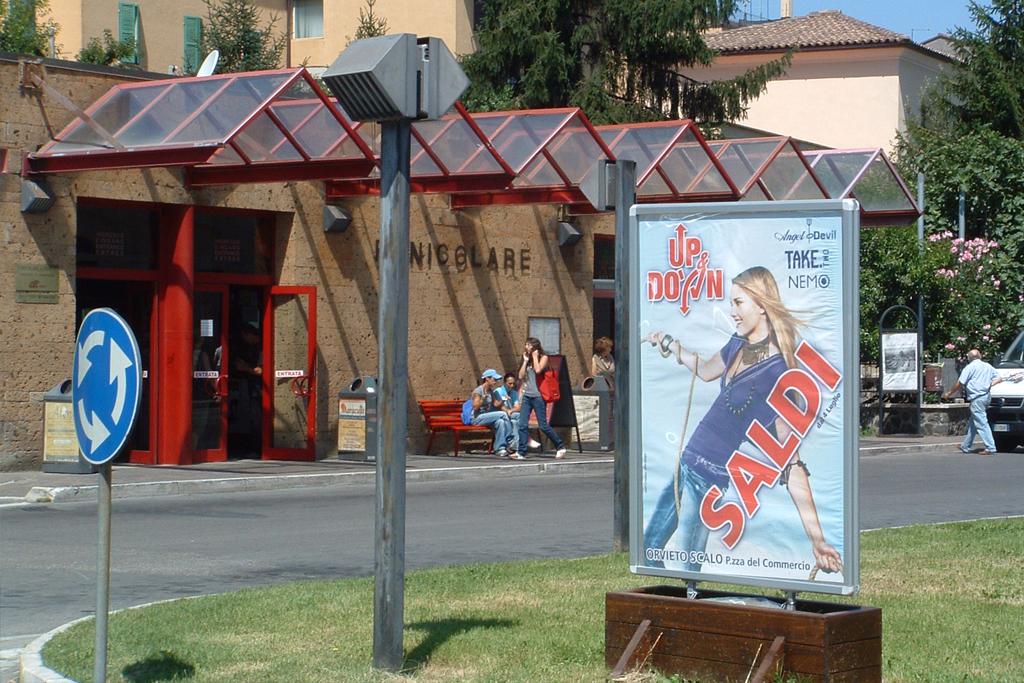 poster 100x140 per campagna pubblicitaria cliente Up Down Orvieto