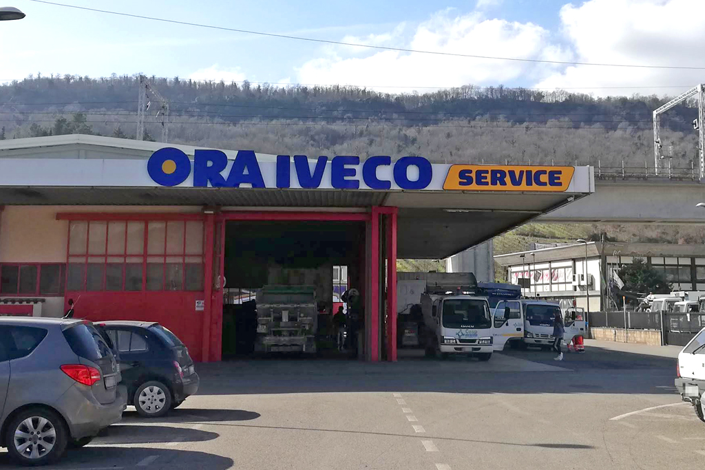 Insegna luminosa a lettere per cliente Ora (Orvieto) Umbria