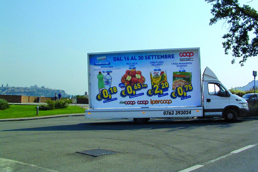 noleggio vela pubblicitaria e stampa poster 6x3 mt per cliente Coop